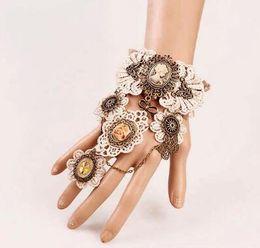 Bague bracelet en dentelle gothique en Ligne-libre nouvelle européenne et américaine dentelle gothique vintage bracelet bande anneau exagéré gear montre bracelet mode classique élégant