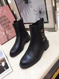 chaussures élégantes à talons bas noir Promotion Femmes bottes d'hiver en cuir de haute qualité marque de mode classique de luxe sexy britanniques couture couture dames lettres Martin bottes