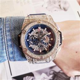 Мужская мода большой циферблат кварцевые часы роскошные мужские полностью функциональные кварцевые горный хрусталь алмаз инкрустация часы циферблат кварцевые часы от