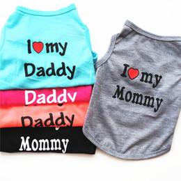 2019 ropa de halloween camisetas Moda para mascotas Cachorro Camisa de verano Perro pequeño Gato Ropa para mascotas Mamá Papá Chaleco Camiseta 5 colores ropa de halloween camisetas baratos