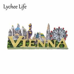 Neveras modernas online-Lychee Life Vienna Viaje Recuerdo Imán de Nevera Resina Escénica Refrigerador Magnético Sticker Modern DIY Home Kitchen Decoration