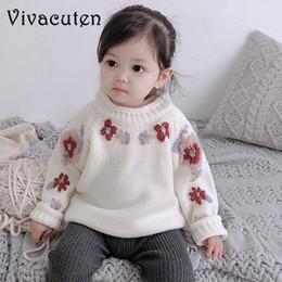 Hacer ropa de bebé niña flores online-Suéter lindo de la muchacha Hecho a mano Suéter hecho punto Infant Baby Pullover Punto de la flor de los niños ropa gruesa