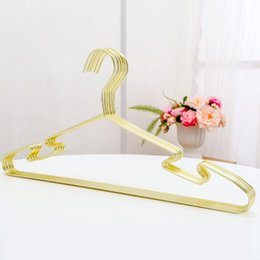 Kleiderbügel online-Goldenes silbernes Metallnichtbeleg-Kleiderbügel mit Nut-starker tragender Kapazitäts-Mantel-Anzug-Aufhänger QW8632