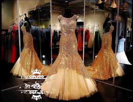 Abendkleider für billige kristalle online-Sheer Scoop Neck Gold Plus Size Prom Kleider 2019 Lange Zug Pailletten Mermaid Crystals Frauen Günstige Formale Abend Pageant Kleid