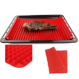 Wholesale Food Drain - Silicone pyramid baking mat fat reducing silicone cooking mat air circulates under around food fat oil drains away retail box 16x11.5inch