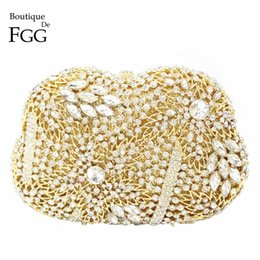 Wholesale Diamond Evening Prom Dresses - Hollow Out Women's Cocktail Prom Golden Crystal Clutch Evening Bags Bridal Wedding Dress Diamond Shoulder Bags Metal Clutches