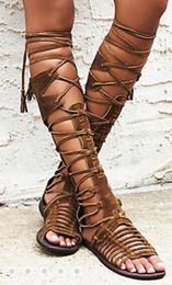 Sandales à lacets en Ligne-femmes été genou bottes boho style sandales plates cross cravate chaussures gladiateur bohemia franges talons plats découper lacets sandalis bottes