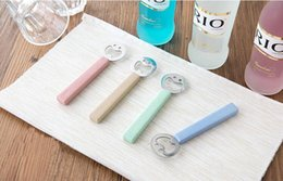 Wholesale friendly environment - Smile Face Bottle Opener Wheat Stalk Handle + Stainless Steel Beer Bottle Opener Multicolot Environment Friendly Kitchen Tool