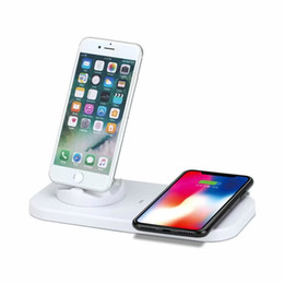Carga rápida USB a 3 en 1 Estación de carga para teléfono móvil con cargador inalámbrico para puerto Micro-usb / Lightnings y estación de carga de tipo C desde fabricantes