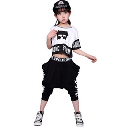 Streetwear das crianças Conjunto de Moda Ternos Roupa Dos Miúdos Conjuntos  de Dança de Hip Hop Para Meninas E Meninos Conjuntos de Trajes de Roupas de  Jazz ... 6b38834f48e