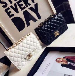 Petit parfum sac pour femme nouvelle mode chaîne chaîne rhombique sac design marque fête fête fête élégant sauvage Messenger épaule dames sac ? partir de fabricateur