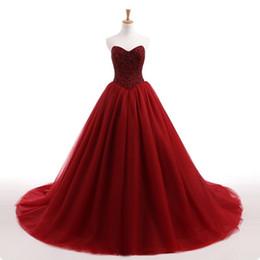 Abito da ballo rosso scuro gotico Abiti da sposa colorati Sweetheart Perline Top Abiti basco in vita non bianchi Abiti da sposa Online Custom Made da