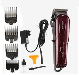 Profesional Kemei hoja de titanio con cable eléctrica cortadora de corte de  pelo Barber + límite peine para niños adultos hombres 110-240 V máquina para  ... f6acffab5299