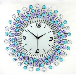 Большая рама для стен онлайн-Блестящий украшения дома большие настенные часы железный каркас горный хрусталь настенные часы современный домашний декор секундомер металлические ремесла 50*50