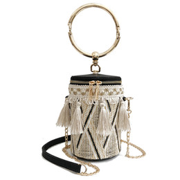 Wholesale barrel cover - Japan Style Bucket Cylindrical Straw Bags Barrel-Shaped Woven Women Crossbody Bags Metal Handle Shoulder Tote Bag