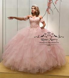 Princesa Rosa Doce 16 Quinceanera Vestidos 2019 vestido de Baile 3D Flores Em Cascata Babados Vestidos de 15 Anos Plus Size Meninas Vestidos de Festa de Aniversário de