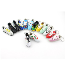 Wholesale Shoe Keyrings Wholesale - 2018 Russia World Cup Keychain Gift PVC Football Shoes Keychain Rings Charm Sneakers Keyrings Keychains Fans Souvenir Supplies
