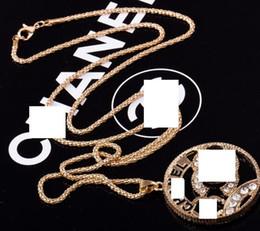 Doni d'alfabeto online-Nuovo cristallo strass alfabeto inglese ciondolo collana designer regali accessori moda