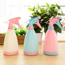 Regaderas para jardinería online-3 Colores Lindo Planta de Presión de la Planta de Aerosol Botella de Rociadores Rociador de Agua de lata Botella de Rociador Hogar Suministros de Jardín 1 UNID
