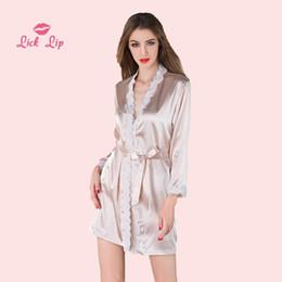 Kimono de encaje rosa online-Lick Lip Pink Lace Albornoz Mujeres Satén Con Cuello En V Damas Kimono Robe Sexy Ropa de Dormir Mini Ropa de Dormir de Corea Transparente SWC3004-47