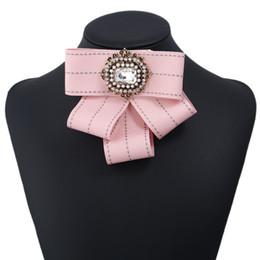 Canada Gros Vintage broche tissu fait à la main Bow broche pour les femmes cravate importés matériel accessoires de fête de mariage cadeau de la Saint-Valentin Offre