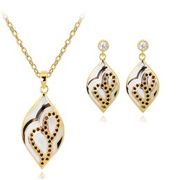 Ювелирные наборы для подружек невесты онлайн-Fashion Inspired Celebrity Style Enamel Long Drop Necklace Earrings Set Silver Color Bridal Bridesmaid Wedding Jewelry Sets