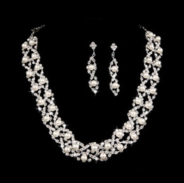 Wholesale gold pearls bride accessories sets - Elegant Angel Wings pearl necklace Necklace bride set accessories