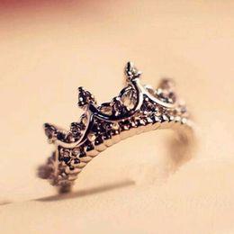 2019 anillos de boda de estilo corona Estilo coreano Retro Crystal Drill Hollow Crown en forma de reina temperamento anillos para mujeres anillo de bodas de la boda envío gratis anillos de boda de estilo corona baratos
