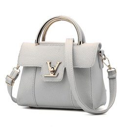 Wholesale nice mobile phones - High Quality Leather Women Bags 2018 New Small Side Of Mini Mobile Phone Messenger Bag Nice Women Bags Shoulder Bags WL34