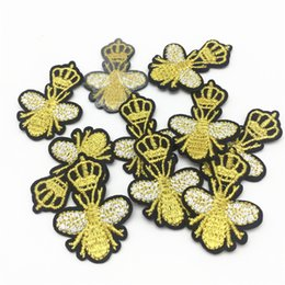 Wholesale iron patches crowns - 15pcs Diy Crown Bees patches for clothing iron on embroidered patch applique sewing accessories badge stickers 4x3.5cm