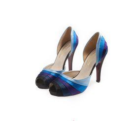 Синий женская свадебная обувь партии обувь Пип топ с высоким каблуком шелковый атлас полые сандалии невесты невесты обувь от Поставщики синие шелковые каблуки