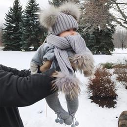 черный вязаный шарф Скидка INS дети Шапочка два помпон шляпа шарф набор милые мальчики девочки вязаная шапочка мода черный белый серый Рождественский подарок
