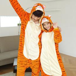 2019 pijamas laranja mulheres Inverno One Piece Unisex Kigurumi Laranja Tigre Pijama Para As Mulheres Casal Anime Dos Desenhos Animados Moletom Com Capuz Pijama Sleepwear Pijama de Halloween pijamas laranja mulheres barato