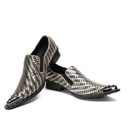 spitzen spitzenschuhe Rabatt 2018 neue Leder Männer Schuhe Spitz Metallspitze Gewebt Handgefertigte Männer Leder Kleid Schuhe Mode