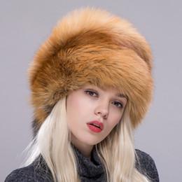 ZDFURS   Mujeres gorro de piel de invierno zorro real   sombrero de piel de  mapache con colas nueva moda rusa protectora del oído femenino marca  sombrero a7afd9c246b