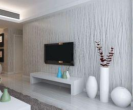 Flock обои жилые комнаты онлайн-Нетканые мода тонкий стекаются вертикальные полосы обои для гостиной Диван фоне стены обои 3D серый серебро