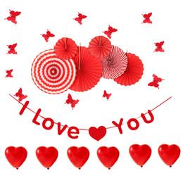 Abanico mariposa online-Decoración de la fiesta de San Valentín rojo Conjunto Corazón Globo / TE AMO Banner / Papel Fan / Mariposas Pegatinas de pared Aniversario de boda