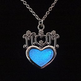 Wholesale Gold Mom Necklace - Fashion Silver Color Heart Shaped Jewelry With Glow In Dark Design Love MOM Choker Long Pendant Necklace For Women Mother'S Day Gifts