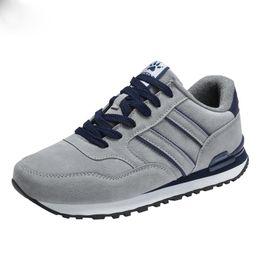 Scarpe di moda urbane online-Urban leisure Uomo Scarpe di sicurezza Scarpe da lavoro Appartamenti Casual Abbigliamento moda Calzature protettive Sneaker