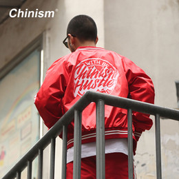 uni-briefjacken Rabatt CHINISM Rot Schwarz Varsity Baseball Uniform 2017 Streetwear Marke Brief Gedruckt Baseball Jacken Herren Hip hop Jacke Outwear