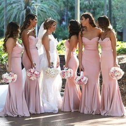 Wholesale Blush Pink Sweetheart Satin Mermaid Vestidos largos de dama de honor Fruncido hasta el suelo Invitado de boda Invitado largo Maid Of Honor Vestidos BM0732