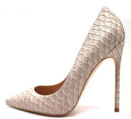 Носок обуви пик онлайн-Бесплатная доставка реальные фото luxura натуральная кожа мода реальный рис скидка новый бежевый змея питона острым носом туфли на высоком каблуке туфли на высоком каблуке