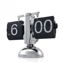 Wholesale auto flip clock - Free Shipping! White and Black 12 Hour Retro Auto Flip Down Clock Internal Gear Operated For Home Office