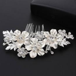 Or strass cristal coquille fleurs peignes à cheveux perle pour les femmes à la mode mariée cheveux accessoires mariage peigne à cheveux décorations ? partir de fabricateur