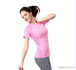 35a5e722b7907 Женская спортивная футболка складки красота назад быстрый сухой пот фитнес  йога с коротким рукавом