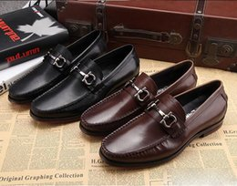 Wholesale pointed low heels - Fashion Mens Office Dress Dhoes Genuine Leather Breathable Italian Designer Men Work Shoes Flats Suit for Party Size 45 stock