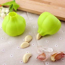 Wholesale peeled garlic wholesale - Silicone Garlic Peeler Creative Kitchen Practical Garlic Zesters Tool Home Super Soft Garlic Peeling Device Kitchen Tool HH7-388