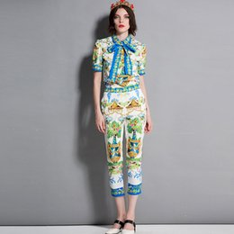Wholesale runway pants - Women's O Neck Short Sleeves Bow Detailing Shirts with 3 4 Printed Pants Fashion Runway Twinsets Casual Two Piece Pants Sets