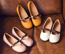 Wholesale child leather - 2018 wengkicks children genuine leather shoes in three colors for girls fashion cute shoes good quality