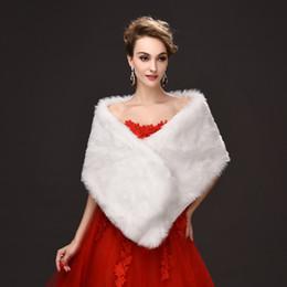 2019 lanças de pele Novo Marfim Faux Fur Nupcial Envoltório Xale Cape Roubou Bolero Jogue Shrug Coat desconto lanças de pele